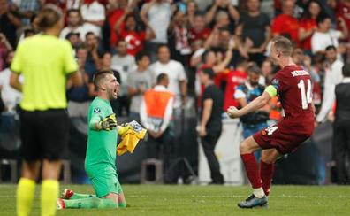 Adrián se convierte en héroe del Liverpool en Estambul