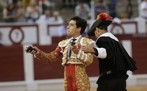 Álvaro Lorenzo sustuirá mañana a El Fandi, lesionado en Huesca