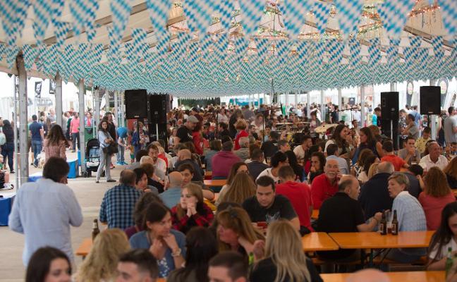 Hosteleros y público piden alargar el Festival de la Cerveza hasta los diez días