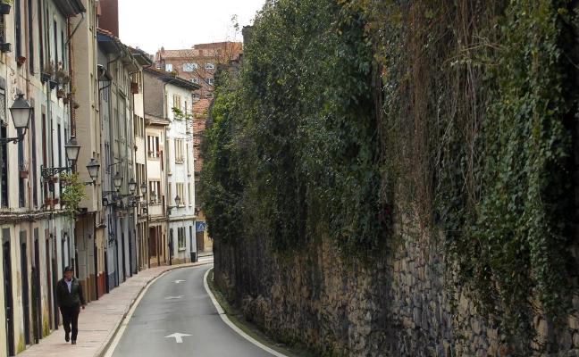 El Ayuntamiento licitará este año las obras de rehabilitación de la muralla medieval