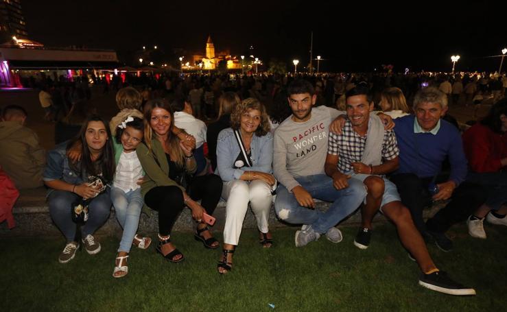 ¿Estuviste en la noche de los Fuegos de Gijón? ¡Búscate!