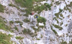 Rescatan a dos senderistas enriscados entre Sotres y Tielve, en Cabrales