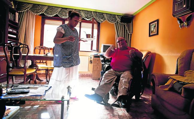 El Imserso amenaza con anular la ayuda de un asturiano con dependencia severa