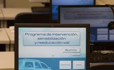 Trescientos conductores recuperan cada año en la comarca los puntos perdidos del carné
