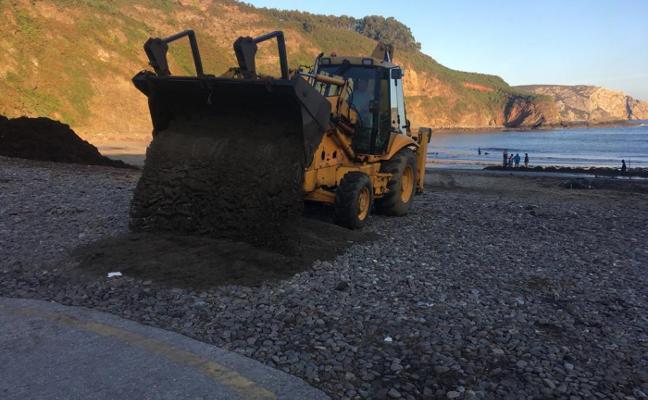 El Ayuntamiento de Castrillón mejora el acceso a la playa de Bahínas