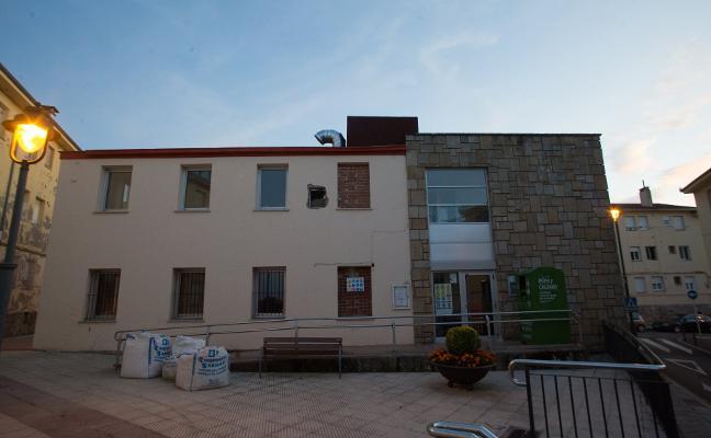 El consultorio de La Carriona renovará su equipamiento médico y de oficina