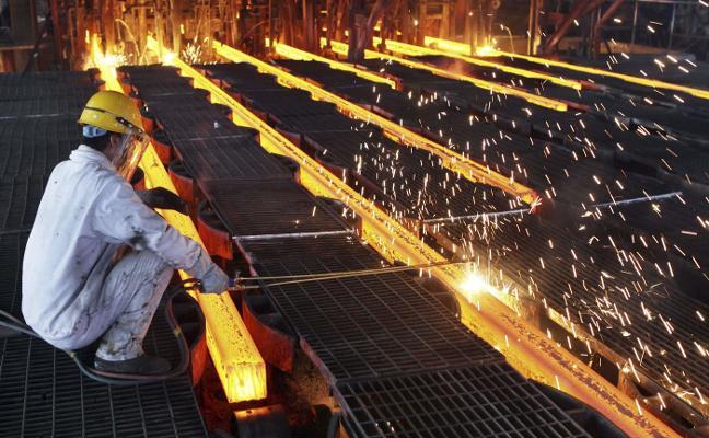 La siderurgia europea ve insuficientes las medidas proteccionistas que plantea Bruselas