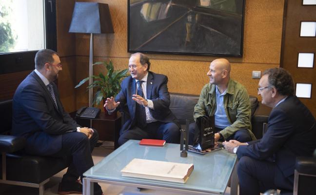 La Ópera de Oviedo pide apoyo al Principado para aumentar su difusión