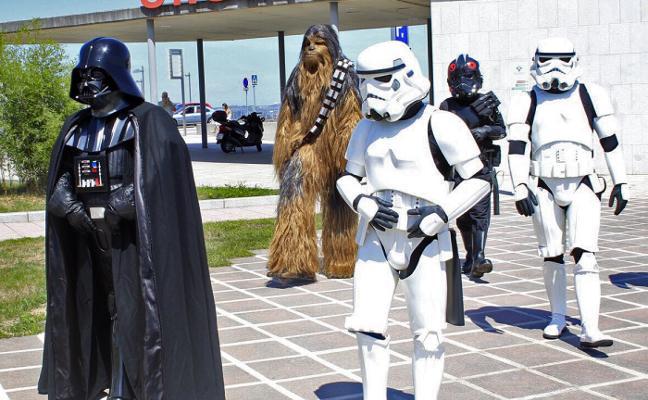 Chewbacca y Darth Vader, en el HUCA