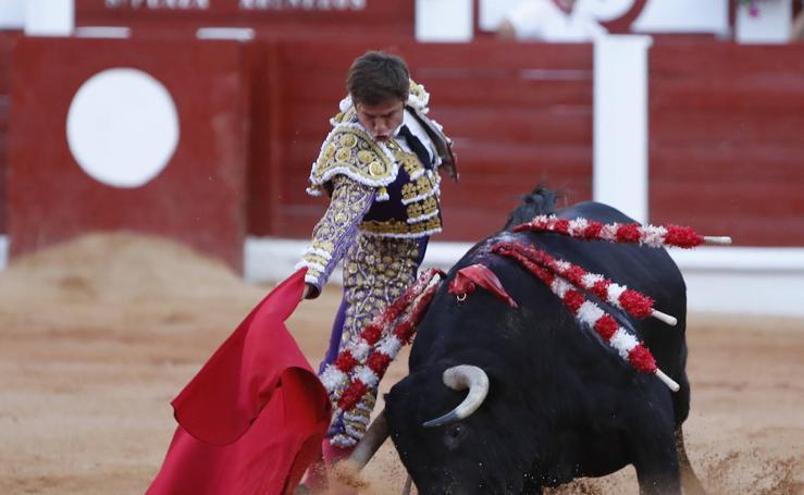 Morante y El Juli enloquecen al público de El Bibio