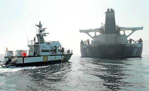 Estados Unidos presiona para mantener retenido al petrolero iraní en Gibraltar