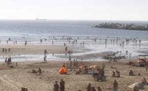 Denunciados por insultar a los socorristas en playas de Castrillón