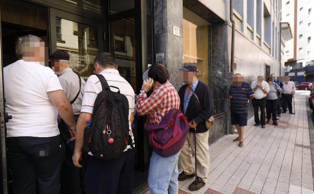 Los usuarios de los centros de asistencia a personas sin recursos aumentan en verano