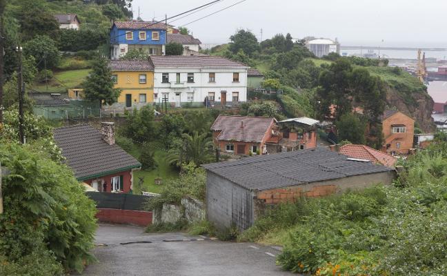 Hallan en el barrio gijonés de El Muselín a una mujer que permaneció dos días en un matorral