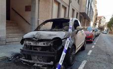 «Esto no se puede aguantar», claman en Llanes tras un nuevo coche quemado