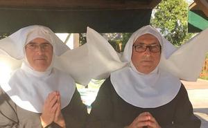 Fotos 'divinas' para recaudar fondos para el Vía Crucis Viviente de Infiesto en L'Agostiellu