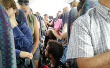 El tren Oviedo-Santander se detiene en Llanes por falta de combustible diésel