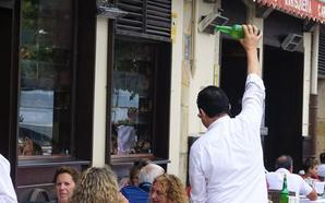 El Ayuntamiento riosellano insta a cumplir la ordenanza de terrazas