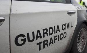 Tres heridos al chocar un taxi y una furgoneta en Gozón