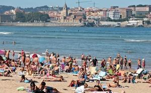 Asturias es la región que menos se moviliza en la limpieza de las playas