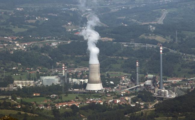Partidos y sindicatos apoyan la propuesta de Fade de un plan industrial propio para Asturias