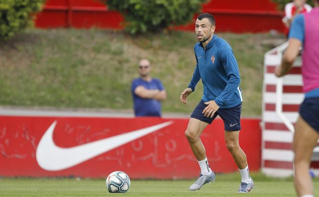 Sporting | Javi Fuego: «Este club ha mejorado y mis expectativas se han visto colmadas»