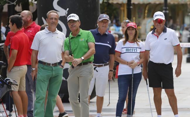 La Llorea saca el golf a la calle en sus bodas de plata