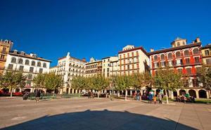 Muere una mujer al caer desde un cuarto piso en Pamplona
