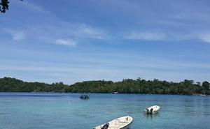 Muere un turista español en Indonesia tras recibir el impacto de la hélice de una embarcación cuando buceaba