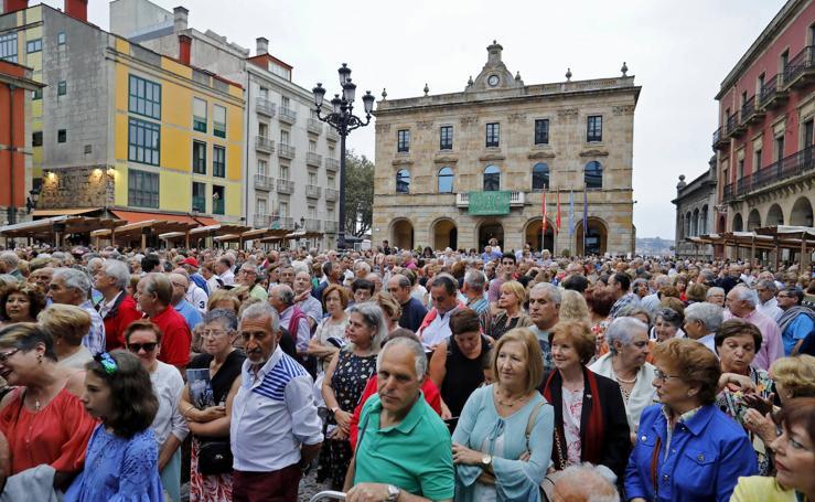 Gijón se entona con los cancios de chigre