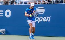Djokovic gana en primera ronda a Roberto Carballés