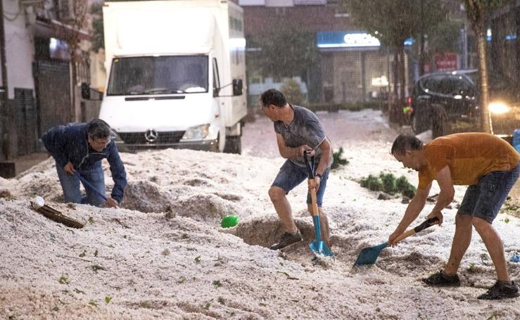 Las tormentas de lluvia y granizo dejan inundaciones y daños materiales en el centro peninsular