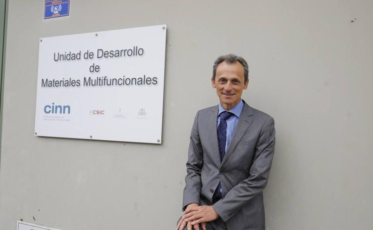 Pedro Duque visita el Centro Superior de Investigaciones Científicas en Sotondrio