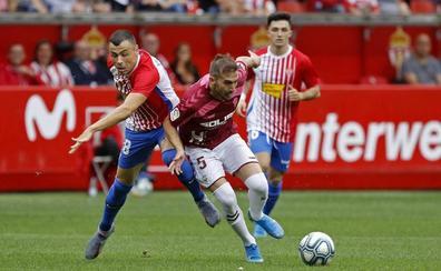 El Molinón se rinde a Manu García en la victoria del Sporting