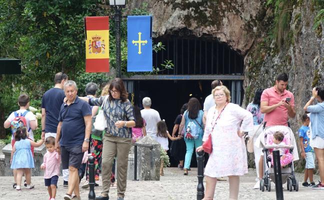 Covadonga se engalana para celebrar la Novena