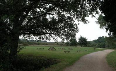 La Policía investiga el entorno de la víctima violada en el parque fluvial de Gijón