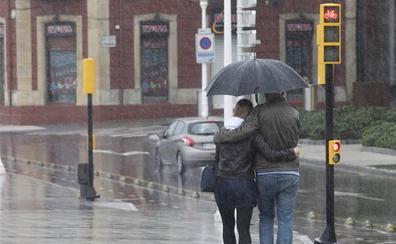 La lluvia, que caerá todo el fin de semana, pondrá a Asturias en alerta