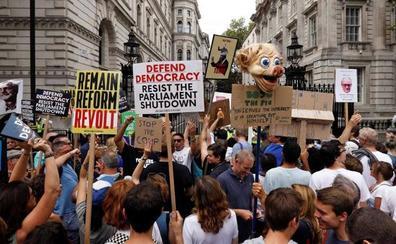 Protestas en todo Reino Unido contra Johnson por suspender el Parlamento