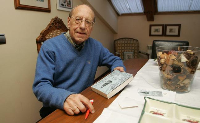 Fallece a los 83 años Edmundo Pérez, exconsejero del Sporting y escritor