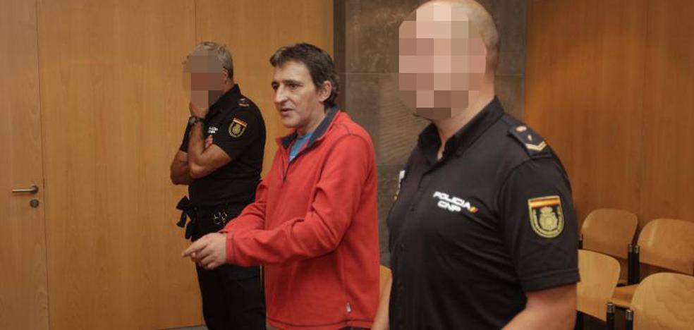 Acepta seis años de prisión por el asalto a tres farmacias en Oviedo