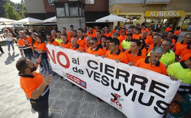 La plantilla reclama al Gobierno central una alternativa para la planta de Vesuvius