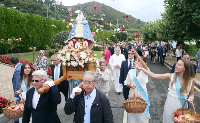 El Centro Asturiano celebra su festividad de La Santina «al servicio de los socios»