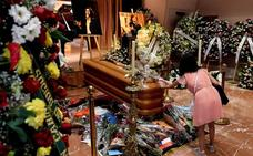 Cantantes, políticos y fans despiden a Camilo Sesto