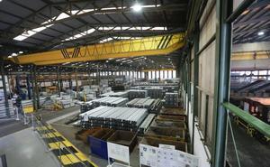 Un hombre de 43 años fallece mientras trabajaba en una fábrica de hierros en Corvera