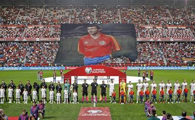 España-Islas Feroe   La Roja rinde tributo a Quini
