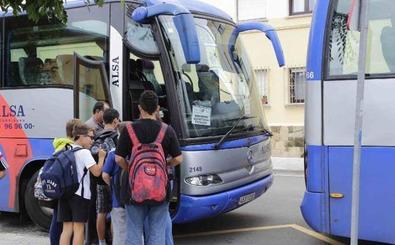 Los alumnos de 29 colegios del distrito Gijón-Oriente no tendrán transporte escolar en el primer día del curso