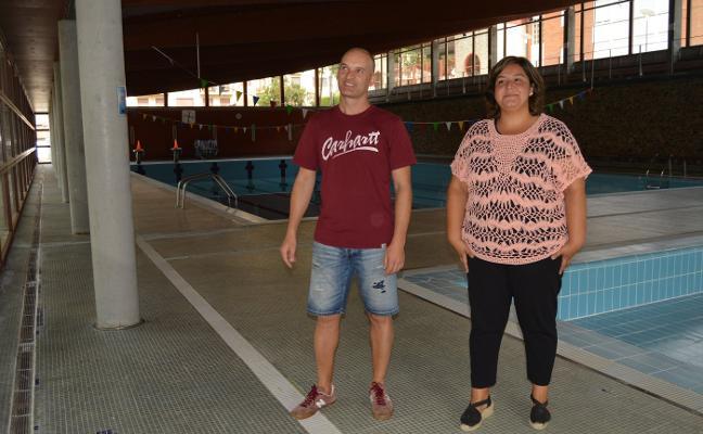 Cangas pide ayuda a la Universidad para evitar daños por pirotecnia en la piscina