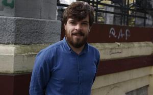 «Recibo amenazas por oponerme a dar 175 euros para fiestas a la plantilla»