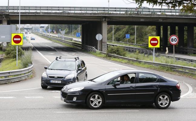Nuevas señales y balizas en los accesos a las autovías para evitar kamikazes