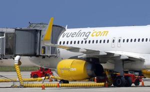 Dos vuelos cancelados y otro retrasado en las conexiones de Vueling entre Barcelona y Asturias